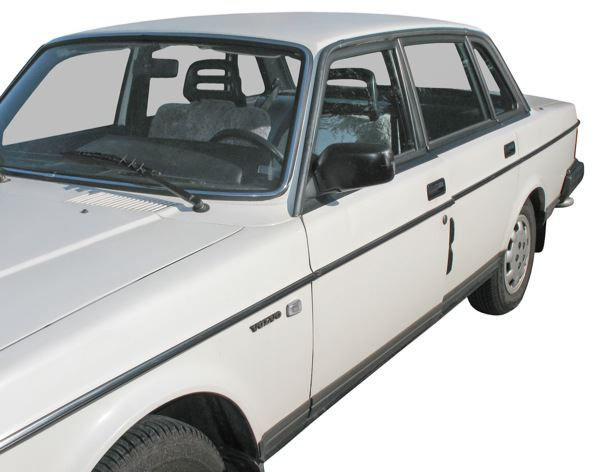 Volvo 200: side view
