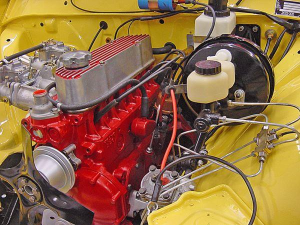 Volvo 140: Motorraum
