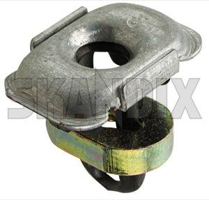 Käfigmutter 30550323 (1065745) - Saab 9000 - 9000 kaefigmutter kastenmuttern kubelmuttern kuebelmuttern muttern quadratmuttern Original frontmaske kotfluegel