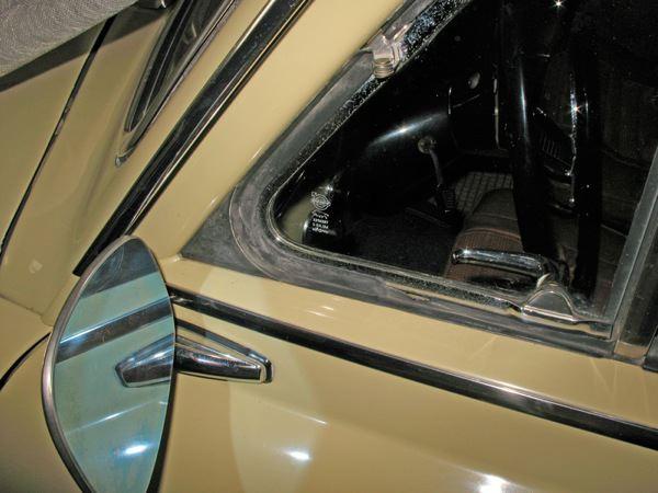 Volvo 120 130: side window