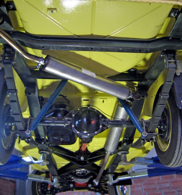 Volvo P210: Abgasanlage
