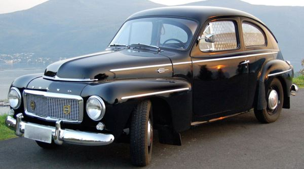 Volvo PV: side view